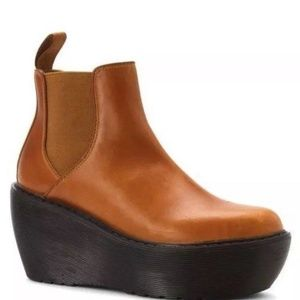 DR MARTENS AREAL CHELSEA WEDGE BOOTS OAK BROWN